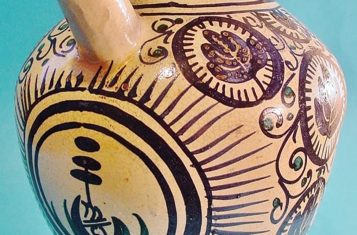 Antigua Jarra en cerámica decorada. Aragón. Siglo XVIII.