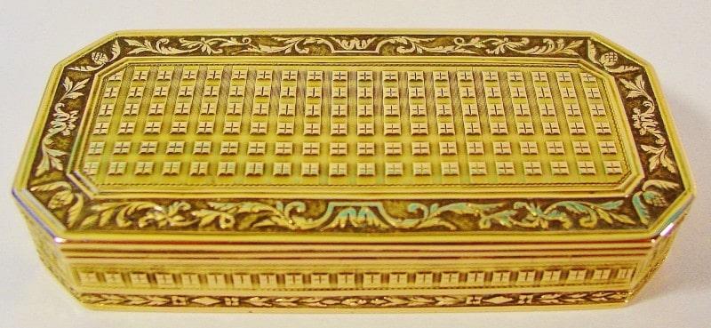 Caja Tabaquera en oro. París, Francia. Finales siglo XVIII