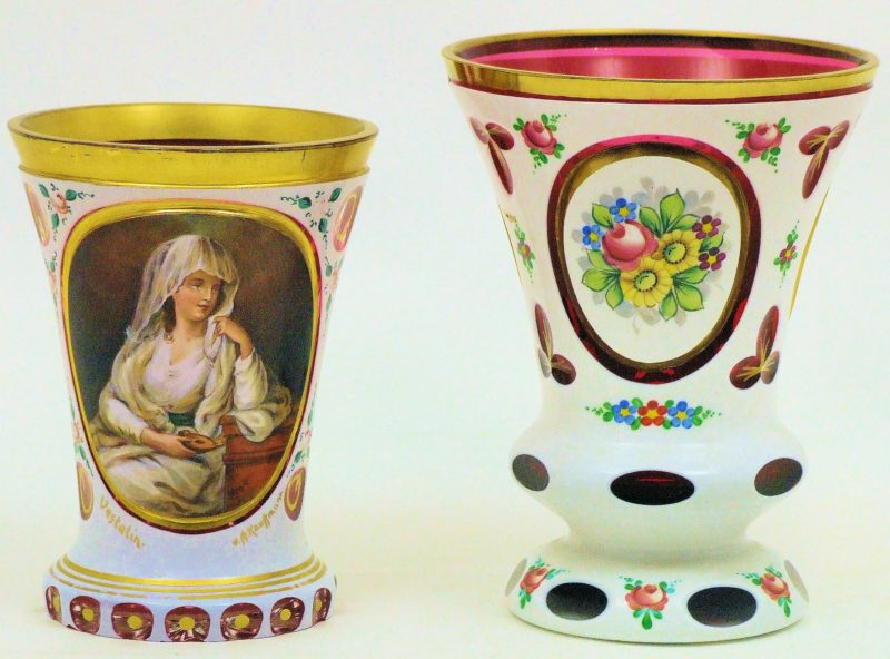 Vasos en cristal overlay. Bohemia. Siglo XIX.