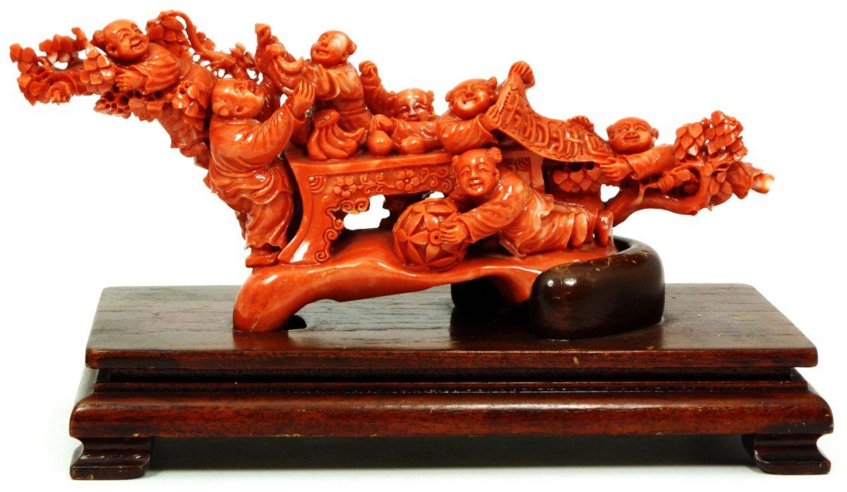 coral chino tallado