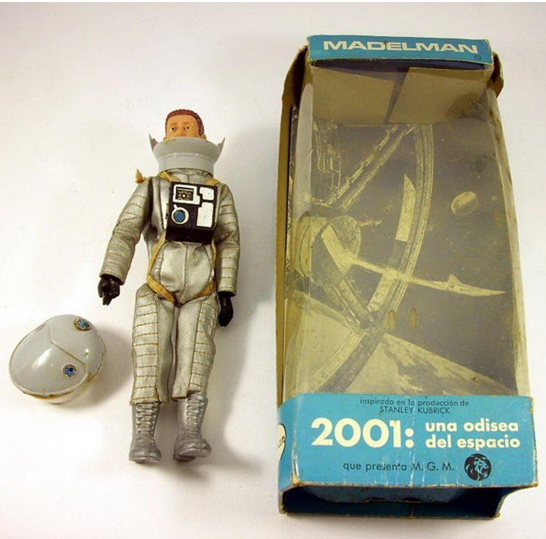 primeras cajas y madelman astronauta